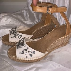Shoes - White mountain wedges